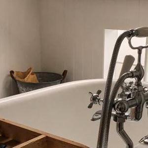 gres w łazience 85